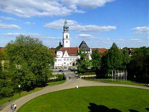 Blick vom Celler Schloß auf Museum und Kirchturm.